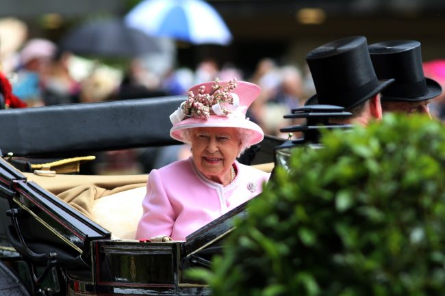 15 June 2016;  The Queen's arrival on the second day of Royal Ascot.      © Peter Mooney, 6, Cumberland Street, Dun Laoghaire, Co. Dublin, Ireland.    Tel:  00 353 (0)86 2589298