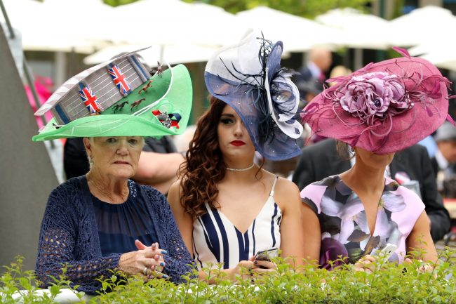 16 June2016;  Awaiting the arrival of Her Majesty, The Queen, on Gold Cup day of Royal Ascot.      © Peter Mooney, 6, Cumberland Street, Dun Laoghaire, Co. Dublin, Ireland.    Tel:  00 353 (0)86 2589298